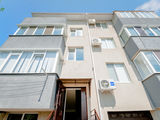2 odai + living in casa de tip Club House