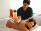 Вначале массаж спины лечебный, мануальная терапия,потом вытяжение позвоночника,отличный результат