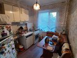 Apartament cu 2 odai , seria varnitkaia. 60m2 botanica super pret 31500 euro