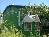 Se vinde urgent casa in Budesti, 8km de la Chisinau, pretul se discuta si valabil in rate.