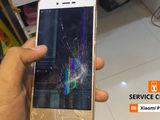 Xiaomi Redmi 3/3S De ai spart ecranul telefonului - vino la noi si te vom ajuta!