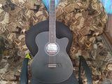продаю почти новую гитару