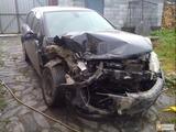 Cumpar automobile avariate