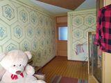 Продается 3-комнатная квартира 59 кв.м район 1-ой поликлиники. Стеклопакеты, домофон, бойлер. Этаж 5