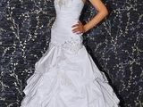 Сдам на прокат или продам шикарные вечерние и свадебные платье   !!!