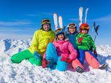 Echipamente de iarna pentru ski sau alte activitati