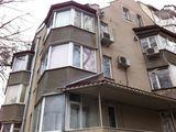 Apartament in 2 Nivele sec.Centru linga Consulatul Romaniei