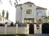 Chirie casa de lux in 3 nivele Buiucani / Сдается шикарный дом 3-х. уровн., Буюканы