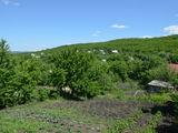 Продаётся 1 земельный участки  возле леса. 15км от кишинева. 2000 euro