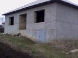 casa se afla în satul Peresecina și este intro stare bunisoara