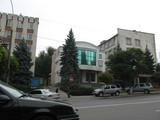 Офисное здание в центре, недорого.