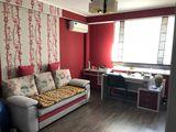 Apartament cu 2 odăi în casă nouă, 72 m2, reparaţie nouă, mobilă-tehnică, autonomă, prima linie!