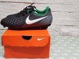 Бутсы Nike новые 38 размера