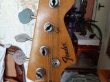 Продам Бас Гитару Fender Precision 3500 лей
