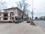 Chirie spațiu comercial, oficiu, în centrul orașului str. Ștefan Cel Mare  210 mp 3000€