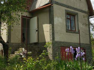 2 эт.котельцовый дом-дача 100 м2 на 12 сотках земли,10 км.от г.Новые Анены и 40 км.от г. Кишинева