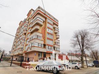 Comercial/Oficiu! str. Sf. Gheorghe, 213mp, p/u reprezentanță! p/u Investiție!
