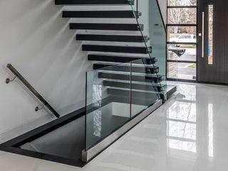 Balustrade din sticla securizata / Стеклянные ограждения лестниц / Перила