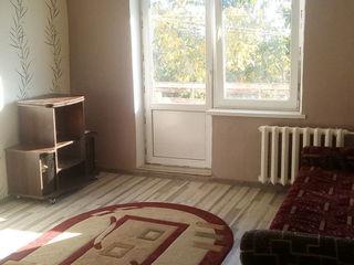 Здаеться комната в 3-ех комнатной квартире на старой почте.без хозяев