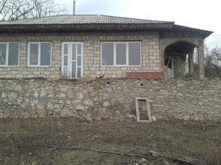 Vindem casa urgent în satul Dereneu, raionul Călăraşi