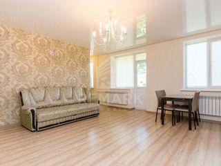 Chirie, Apartament cu 2 odăi, Centru str. A. Pușkin, 400 €