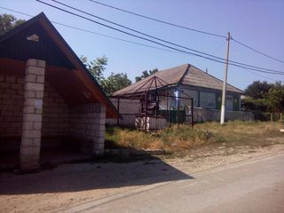 Se vinde casa in s. Micauti 20 km de la Chisinau.
