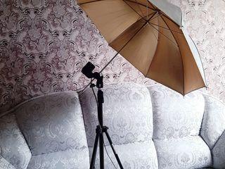 Продаю новый зонт со штативом работающих на отражение.