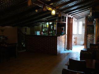 Bar, biliard,terasa in centrul orasului Cricova