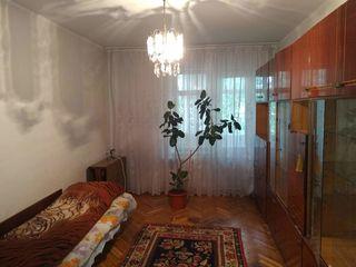 """Очень срочно! Продам 3х ком. квартиру, 61м2, два балкона, остановка """"Стелуца"""""""