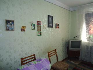 Срочно! 2-х ком + гараж, автономное отопление по цене 1-ком квартиры. Р-н Дом Ветеранов!