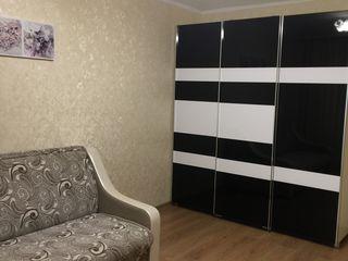 Рышкановка на Флорилор 8,  1 комнатная, евроремонт, долгосрочно, 240 евро..