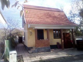 Дача 2х эт Бубуечь село Бык 1,5 км от Кишинёва 7,5 соток Вода,Свет, + Колодец - Газ рядом 35000 Ев