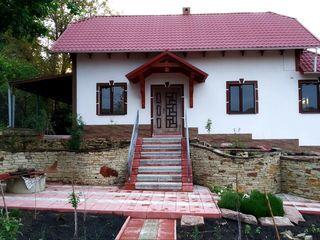Vila de lux,linga traseul Orheiul Vechi,5 iazuri,padure