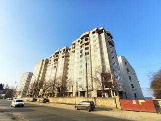 """Квартира 38м на Ботаникe с Евроремонтом, панорамными окнами и видом на """"Ворота Города""""."""