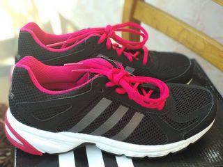 Аdidas Duramo 55 женские кроссовки - размер 36.7 (36-37) - 750 лей,  обеспечивают поддержку и комфор