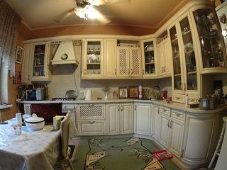 Продаю дом на 2 семьи