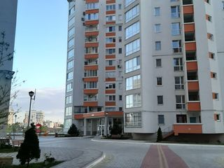 Se vinde apartament cu 3 odai. Mobilat. Complex de elita,Glorinal. Zona parcului Valea Trandafirilor