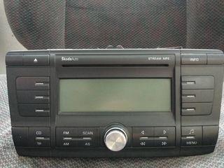 Штатка Skoda Fabia, Toyota Camry, Nissan