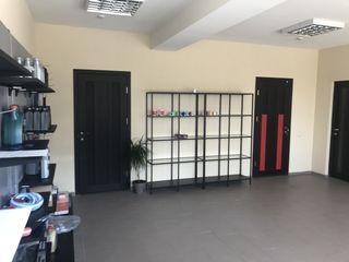 Chirie Showroom / Oficii de la 30 m2 la 1000 m2