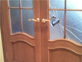 Разбилось стекло, зеркало? требуется замена, доставка, установка. замки, ручки. стекло рифлёное
