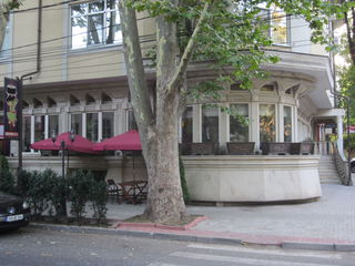 Spatiu comercial 350 m2 inchiriere , restaurant, prima linie ,str Eminescu