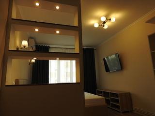 Сдаю в аренду  2-х комнатную квартиру в Центре на длительный срок.