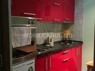Продается  2-х комнатная квартира в районе Липованка 27000
