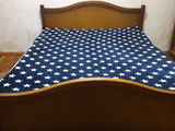 Продам деревянную спальную кровать с матрасом