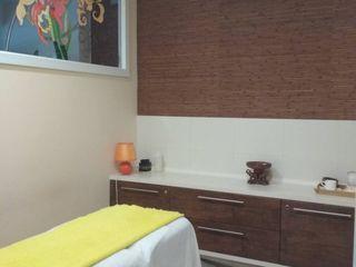 Сдаются в Центре 2 места (для парикмахера или макияжа; наращивания ресниц,массажа или косметолога)