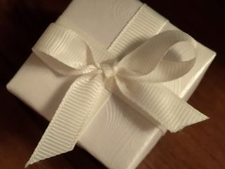 Bomboniere,mărturii pentru nunţi şi cumetrii