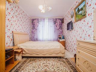 Vind apartament spatios la Buiucani, 3 camere