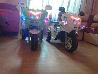 Продаются два мотоцикла 3000 лей оба