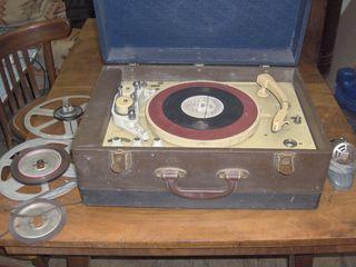 """Магнитофон-граммофон """"Эльфа"""" 1957 г. - 300 $. Радиола """"VEFradio"""" - 100 евро, проигыватель """"Радиотехн"""