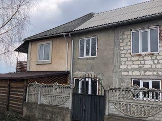 Porțiune de casa cu 2 nivele